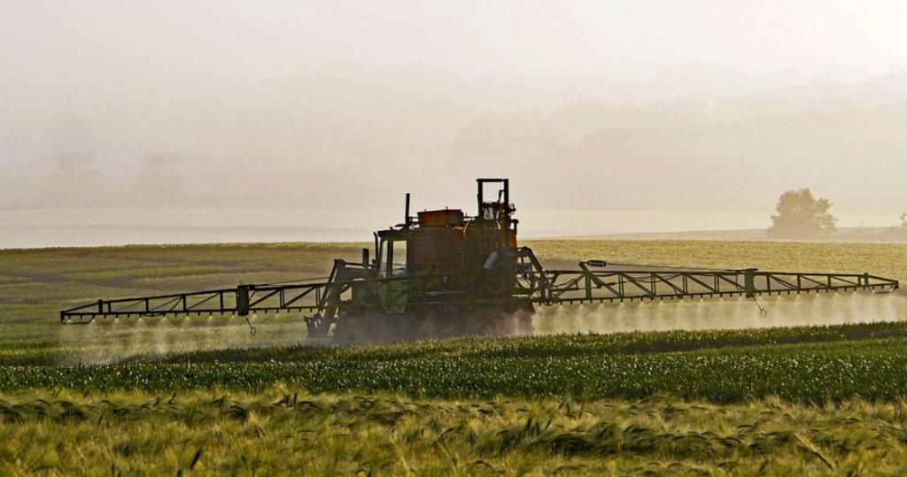 Disadvantages of Artificial Pesticides